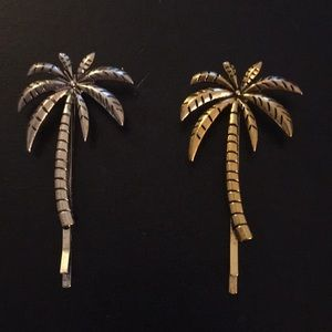 Palm tree hair pin